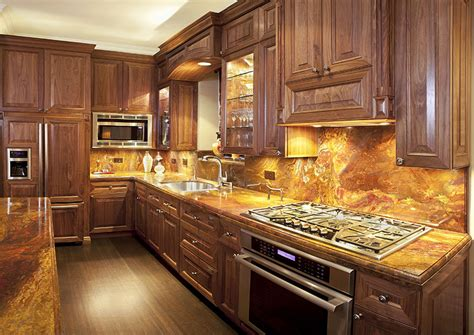 kitchen cabinets and backsplash 63 beautiful traditional kitchen designs designing idea