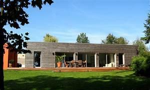 maison contemporaine mariant bois et maconnerie brulet With maison en bois architecte