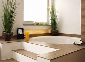 Badezimmer Mit Eckbadewanne : runde badewanne ein highlight im bad planungswelten ~ Bigdaddyawards.com Haus und Dekorationen