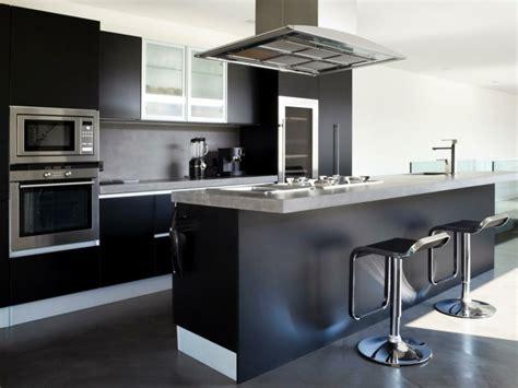 cuisine noir et grise cuisine élégance par excellence