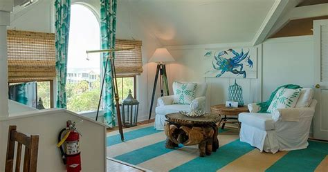 3 stars bed and breakfast surf song bed & breakfast is the right place for a beach/seaside weekend. Surf Song's Sunrise Suite - Tybee Island Bed and Breakfast   Bed and breakfast, Suite, Bed