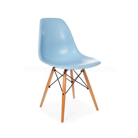chaise eames bleu acheter une chaise d 39 inspiration eames picslovin