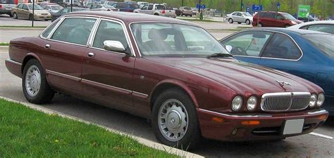 File:Jaguar-XJ-Mark-2.jpg - Wikimedia Commons