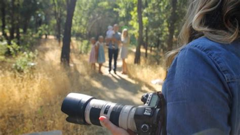 Posing Ideas For Family Portraits, Shooting Outdoor With