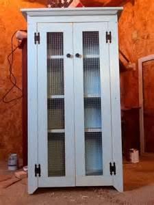 Diy Primitive Bathroom Ideas by Diy Pallet Primitive Bathroom Storage Cabinet 101 Pallets
