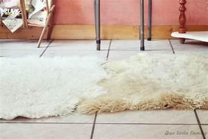 Fausse Peau De Mouton : avoir un tapis en vraie peau de mouton ou d 39 agneau ~ Teatrodelosmanantiales.com Idées de Décoration