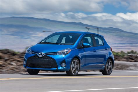Toyota Yaris Hd Picture by Toyota Yaris Hatchback 2017 Hd Wallpapers