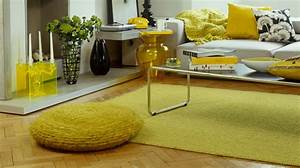 deco salon jaune gallery of on dit oui la peinture jaune With tapis jaune avec destockage canapé saint etienne