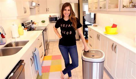 clean  garbage  indoor outdoor clean
