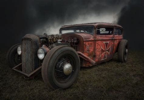 6 Haunting Photographs Of Abandoned Vintage Cars Lying In