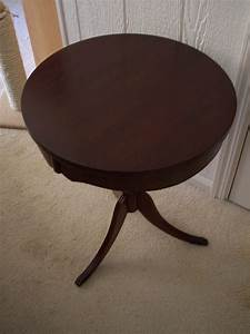 Antique round pedestal side table for sale antiquescom for Round pedestal coffee table antique