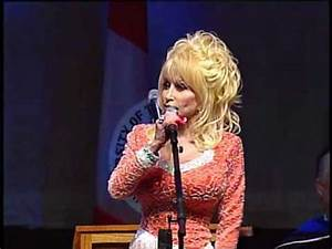 Dolly Parton Delivers Commencement Address at the ...