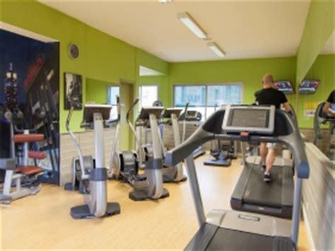 salle de musculation niort salle de sport niort clubs fitness s 233 ance gratuite ici