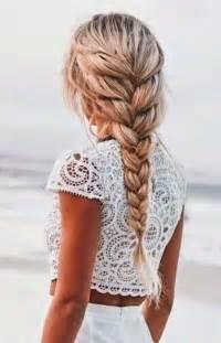 robe pin up mariage les 25 meilleures idées concernant coiffures sur cheveux tresses et belles coiffures