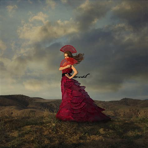 lady  red dama de rojo inspiration kirsty mitchell