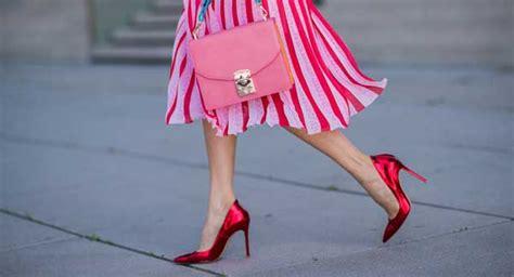 Rosa Und Rot Kombinieren by Rote Pumps Kombinieren So Tragen Sie Die Roten Schuhe Im