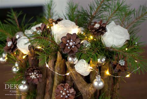 Weihnachtsgestecke Aus Holz by Weihnachtsdeko Selber Machen Naturmaterialien