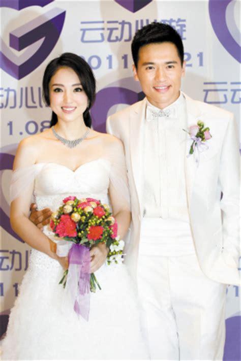高以翔董璇结婚照图片