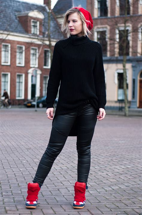 Rowan Reiding How to Wear Black with Edge u2013 Glam Radar