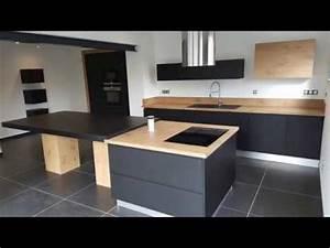 Cuisine équipée Bois : cuisine quip e bois et noir par concept vie habitat youtube ~ Premium-room.com Idées de Décoration
