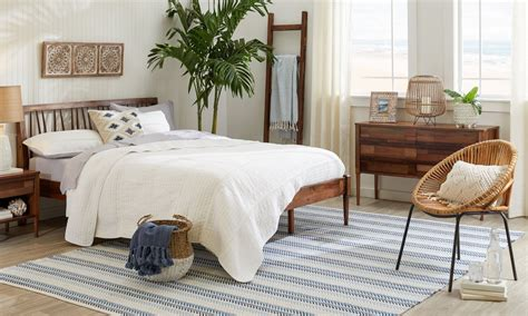 Rugs For The Bedroom by 5 Ideas To Choose The Bedroom Area Rug Overstock
