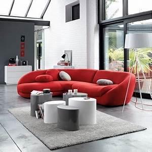 salon design avec un canape rouge contemporain la redoute With canape original design
