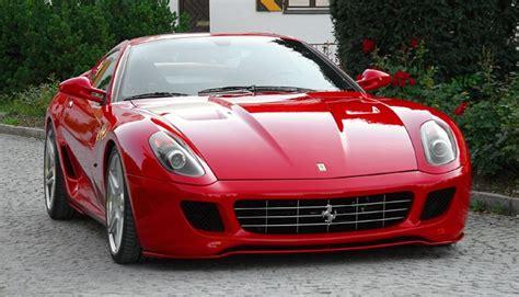 Independientemente del modelo y su edad, en teoría, ferrari nunca ha tenido modelos que pudiéramos considerar económicos, ni siquiera en el mercado de segunda mano. Precios del Ferrari 599 GTB