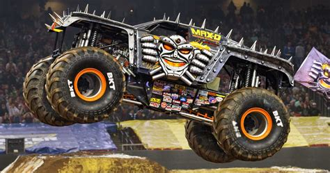 Axial Racing  Smt10™ Maxd Monster Jam Truck 110th Scale