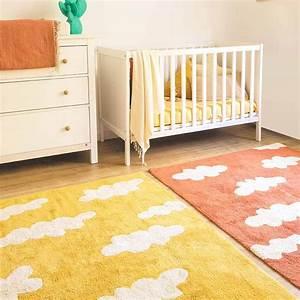 best tapis chambre bebe jaune pictures amazing house With chambre bébé design avec fleurs de deuil pas cher