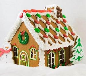 Pin by Mary Kuskey on Gingerbread House deco ideas