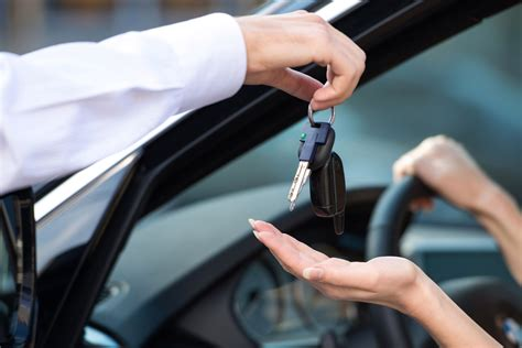 Why Self-drive Car Rental is better than Taxis and Cabs?