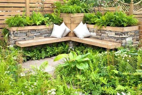 terrasse gestalten rustikal sitzecke mit symmetrie