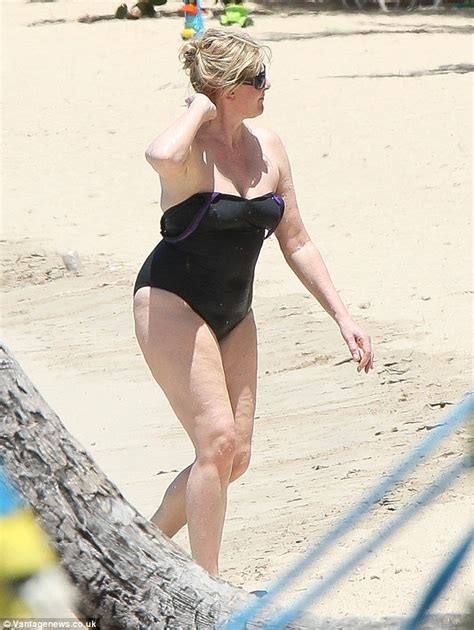 Sarah Lancashire relaxes in the Caribbean after BAFTA TV ...