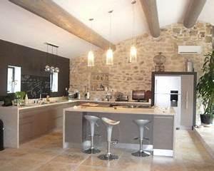une cuisine ouverte taupe avec ilot central With palette couleur peinture mur 14 amenagement optimise et deco pour ma cuisine ouverte