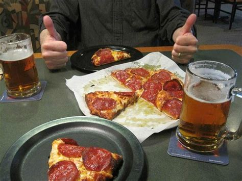round table pizza reviews round table pizza angels c restaurant reviews phone