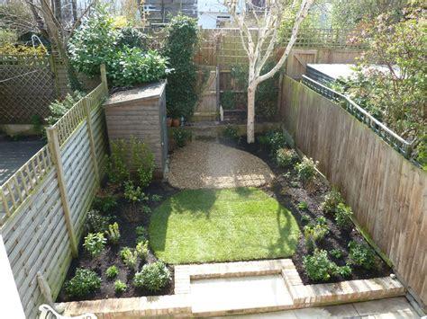 small  garden crouch  planting gems