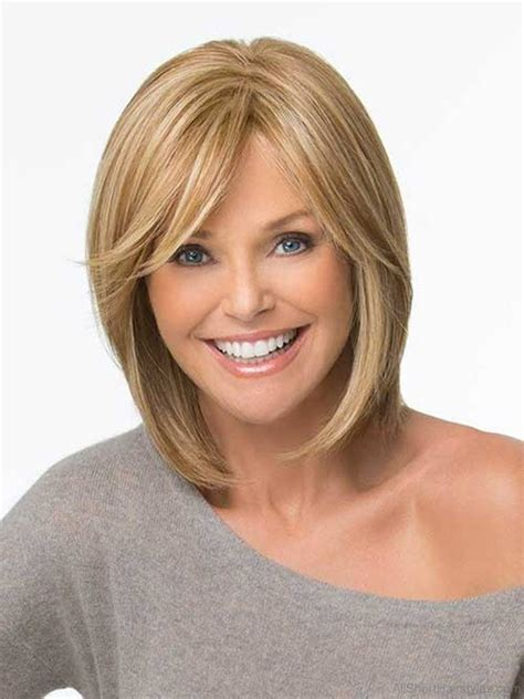 Cool Short Bob Hairstyle With Side Swept Bands