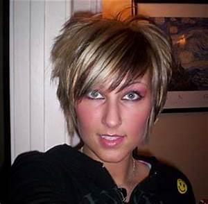 Coupe Carré Plongeant Femme : coiffure carre plongeant court blonde ~ Melissatoandfro.com Idées de Décoration