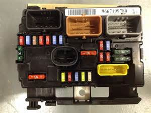 Peugeot 207 Engine Fuse Box 6500hw Genuine Brand New