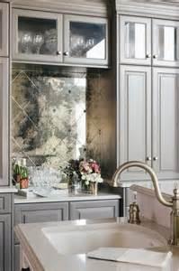 mirrored backsplash in kitchen 25 best ideas about antiqued mirror on