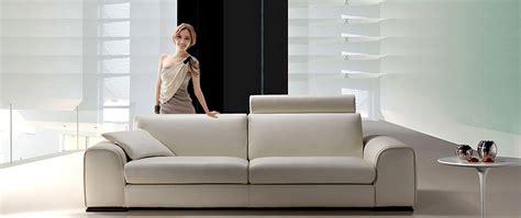 Divano In Pelle Design Feeling