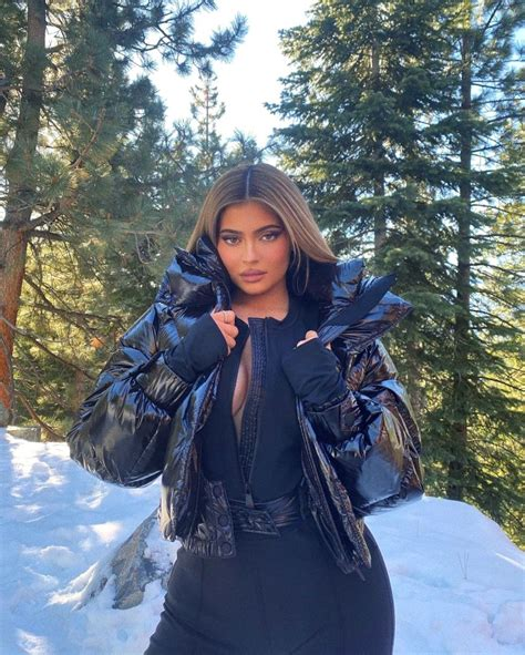 Kylie Jenner's Daughter Stormi Snowboards During Family ...