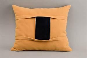 Kissen Für Bett : madeheart kissen tablet handmade deko kissen tablet halter bett zubeh r f r tablet ~ Eleganceandgraceweddings.com Haus und Dekorationen