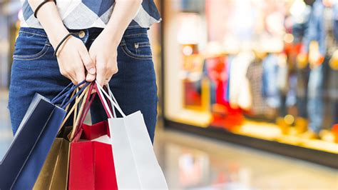 Stats On Holiday Shopping In Ph And Why The 'ber' Season