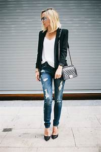 Ripped Jeans Outfits The Ripped And Distressed Jeans Are Back - This Is How You Wear Them ...