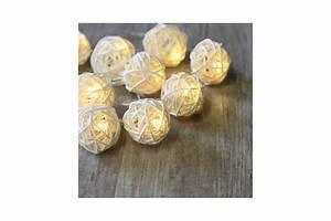 Guirlande Boule Lumineuse : guirlande lumineuse boules rotin blanc pile ~ Teatrodelosmanantiales.com Idées de Décoration
