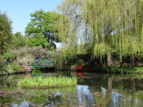 le jardin de giverny picture of claude monet s house and