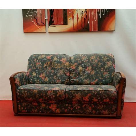 canapé clic clac design canapé bois et tissu fleuri 2 places n125
