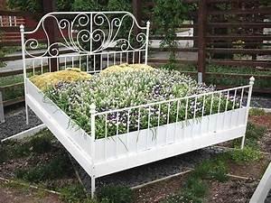 Ideen Für Hochbeete : hochbeet mit pflanzen in einem holzbett gardentime pinterest ~ Sanjose-hotels-ca.com Haus und Dekorationen
