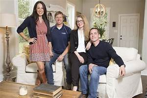 Chip and Joanna Gaines of HGTV's 'Fixer Upper' announce